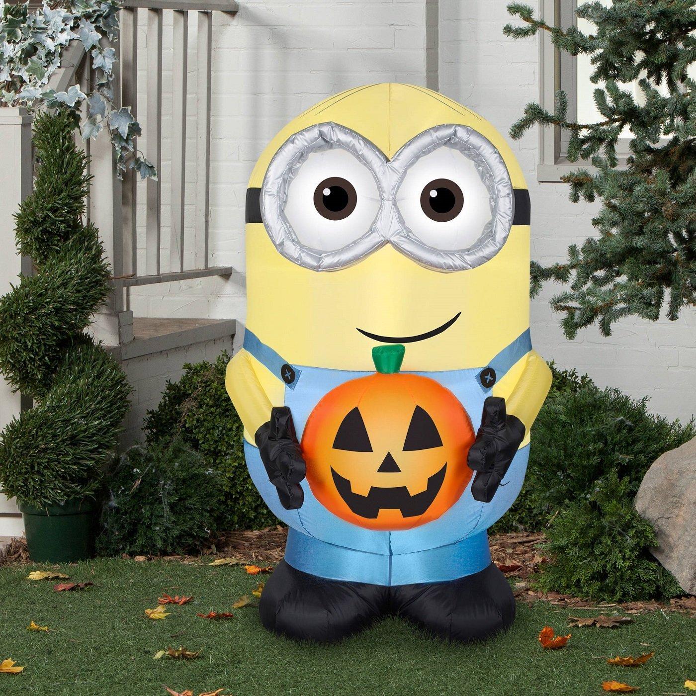 halloween inflatable minion dave holding pumpkingemmy – gaudio group